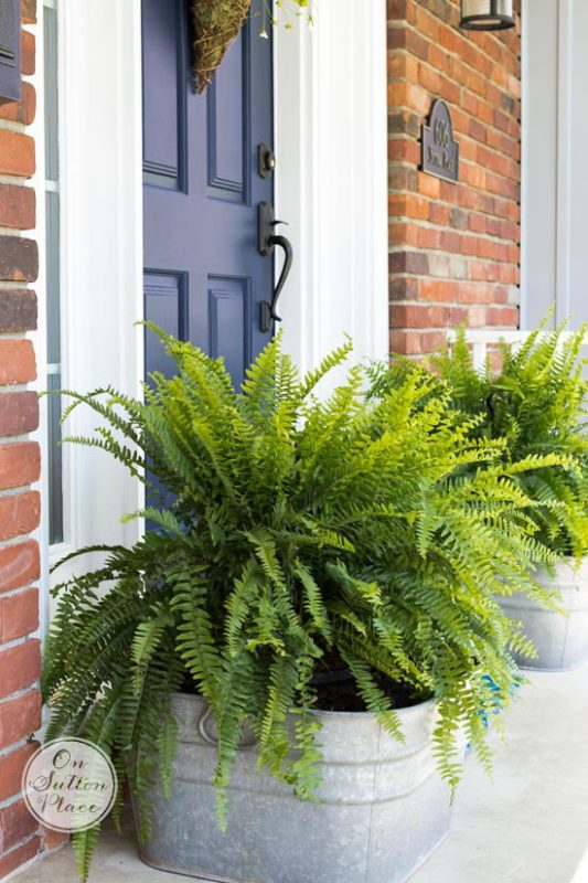 9 Easy Ways To Dress Up Your Front Porch For Spring