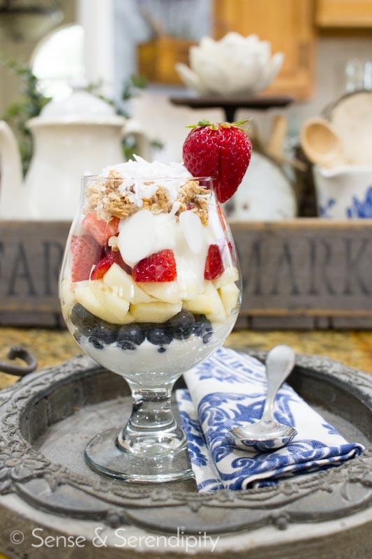 Easy & Delicious Patriotic Parfait 4th of July Treat | Sense & Serendipity